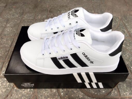 giày Adidas trơn trắng sọc