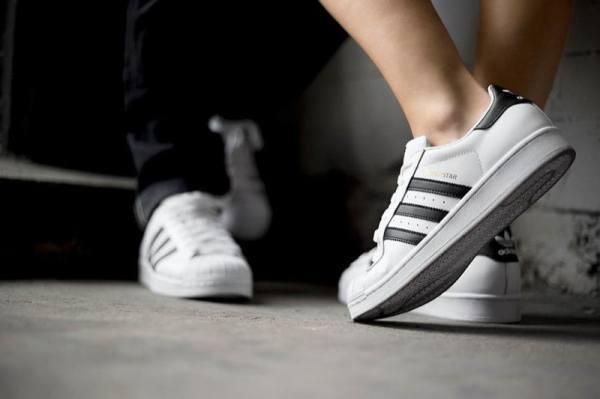Phối đồ với giày Adidas superstar 1