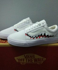 giày Vans old skool shark white