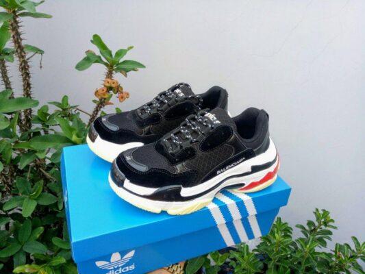 giày balenciaga triple s đen 1