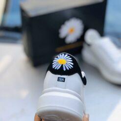 Giày Mc_Queen cúc họa mi - 2