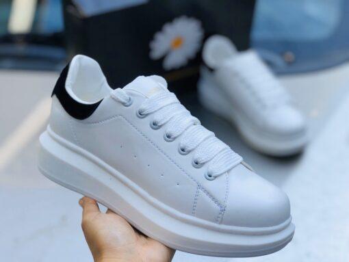 Giày Mc_Queen cúc họa mi
